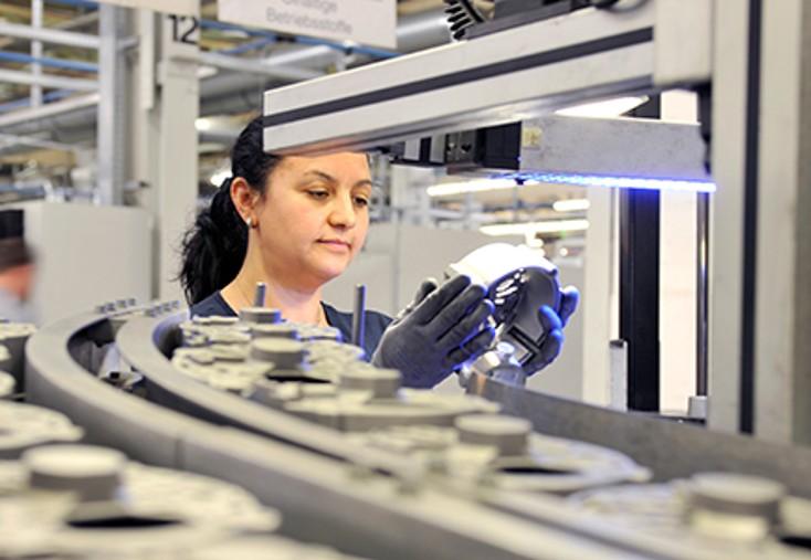提供与新产品相同的保修服务 —— 博世 eXchange 每一件产品都是新颖工程、精确生产和周密测试的最终成果。